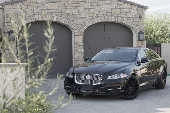 Jaguar XJL - part of the Top Notch Transportation fleet in Phoenix