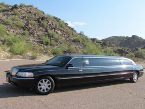Lincoln stretch limo in Phoenix, AZ - exterior